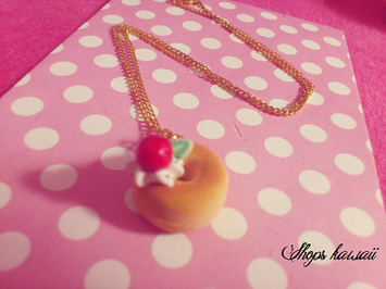 Collier donuts créme