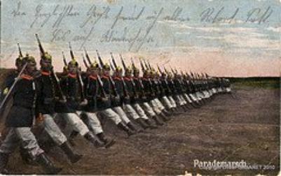 Ma tenue 1890 waffenrock prussienne ww1 avec un casque à pointe