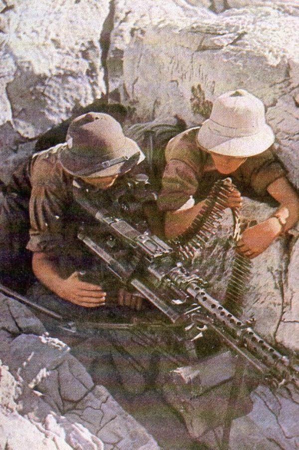 Casque tropicale de l'afrikakorps doubles insignes ww2