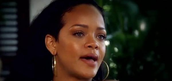 Rihanna en larme