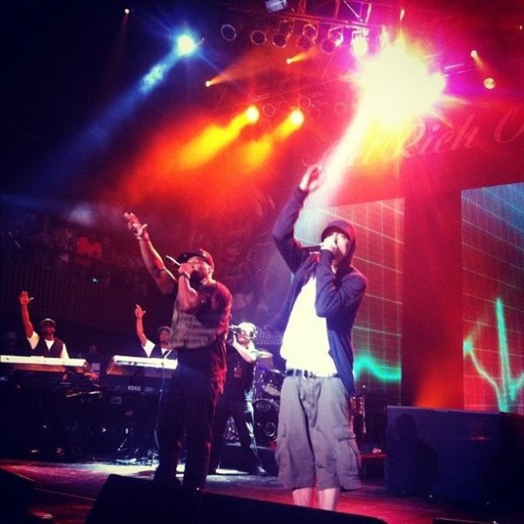 Eminem Sur Scène Hier Au Cotes De 50 Cent