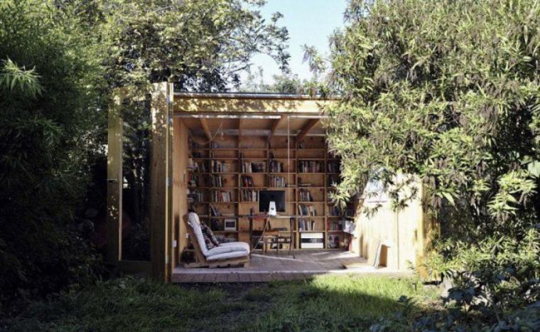 la cabane au fond du jardin devient un bureau.