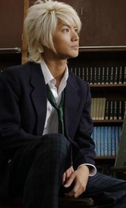 Miura Haruma dans le rôle de Hiro