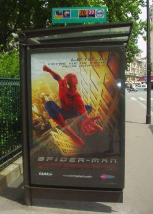 spiderman et son signe satanique