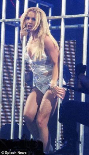 Britney toujours sous contrôle de l'esprit