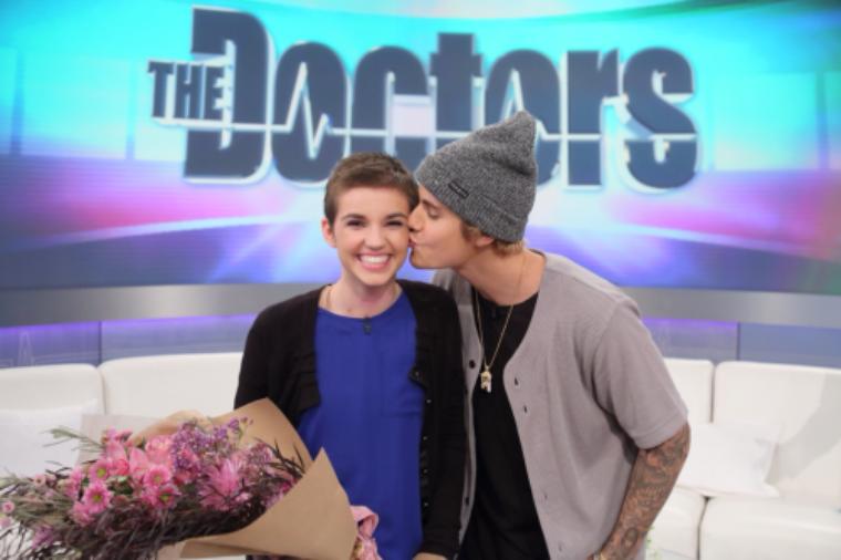 """Apparition de Justin dans """"The Doctors""""."""