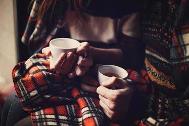Il faut se ressembler un peu pour se comprendre, mais il faut être un peu différent pour s'aimer.