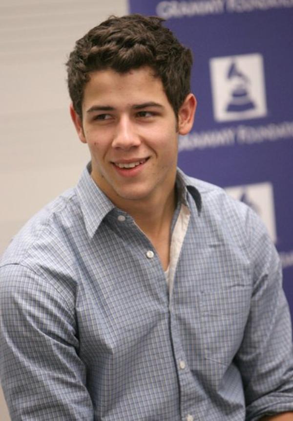 Nick Jonas & Greyson Chance au Grammy Camp le 14.07 + d'autres photos du match