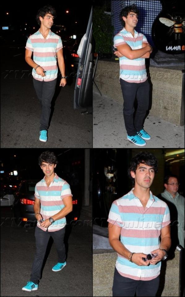 25.09.2012 Les Jonas Brothers sont allés dîner au Boa Steakhouse