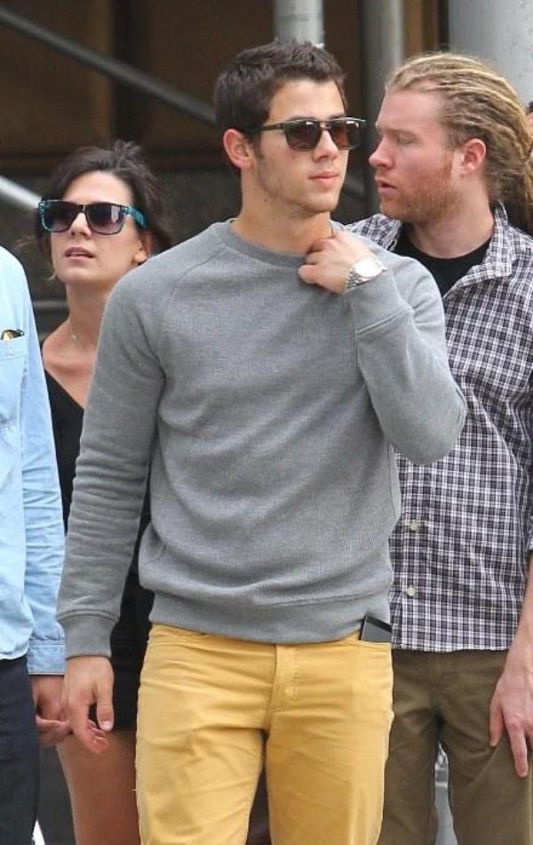 06.10.2012 Nick & Joe ainsi que des amis ont été vu à New-York + Photo de l'Instagram de Joe