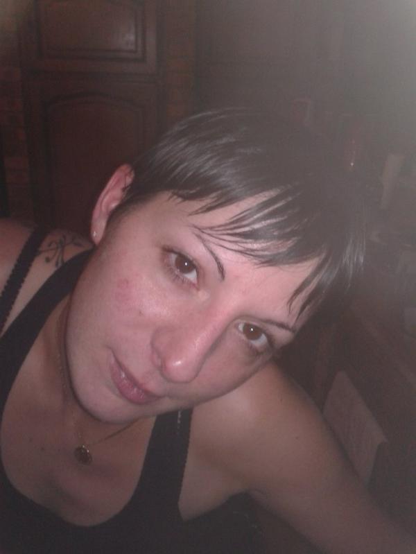 Elodie, une personne que je n'oublierai jamais, et que j'aimerais toujours.. Repose en Paix..