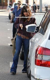 02/12/2011 : Déjeuner & manucure pour Vanessa.