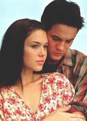 """"""" Je suis malade, tu sais ce n'était pas si dur, je le vivais plutôt bien, je l'avais accepté et puis tu es entré dans ma vie. J'ai peur de ne plus être avec toi. """""""