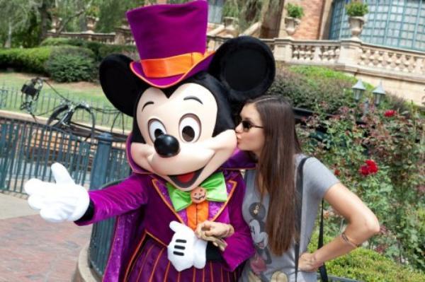 1 septembre 2012, Nina était en Floride avec de Candice et Kayla pour passer la journée à DisneyLand