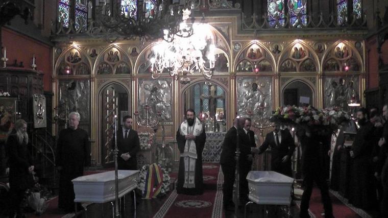 L'attaque tragique à PARIS: Adieu à nos parents, deux anges vaincus par les Kalachnikov
