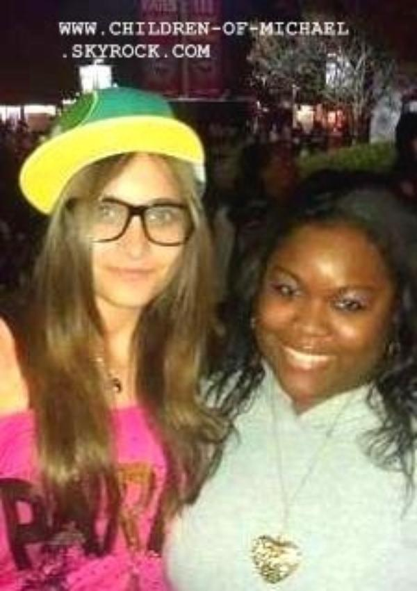 Photo de Paris et une fan