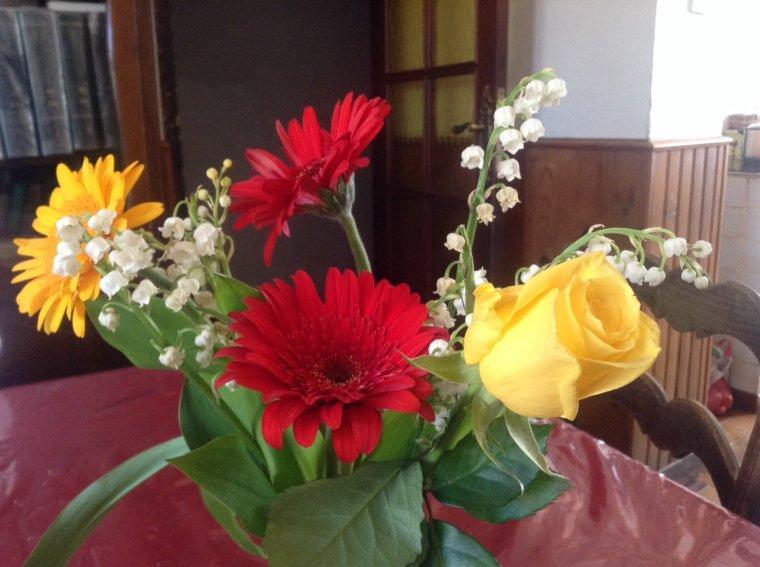 J'aime les fleurs entre autres :)