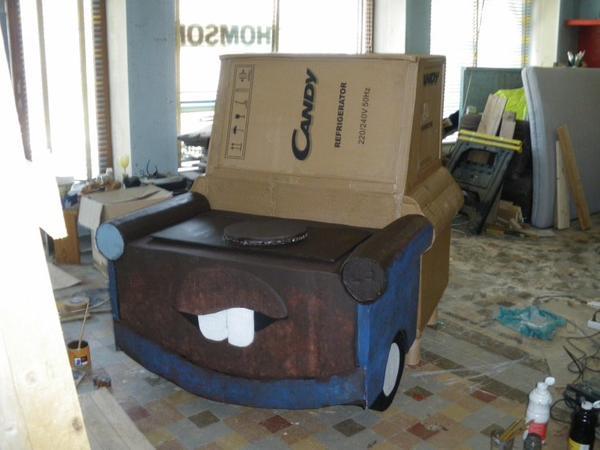 mon premier meuble en carton!