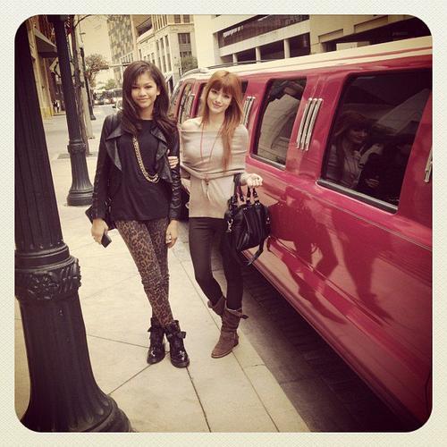 Bella et Zendaya a NYC, le 18/12/11.