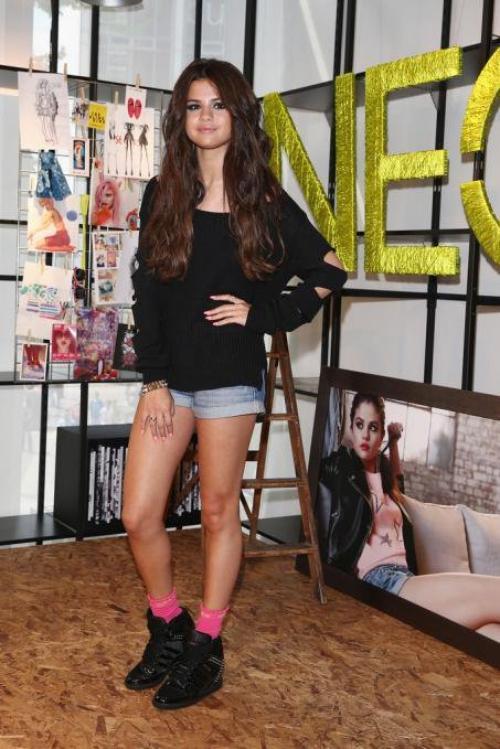 Look Selena gomez n°5