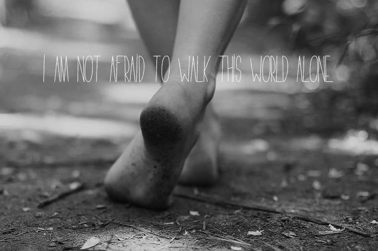 La vérité, c'est que tu es tout pour moi, et que, quand tu n'es pas là, je sais plus où aller, je sais plus quoi faire, je suis perdue.