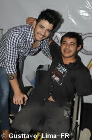 """24/06/12 Gusttavo au centre Handicapés """"Campo Belo"""" à São Paulo"""