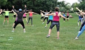 Tous les samedis dans le parc Borely    cours gratuits  de gym
