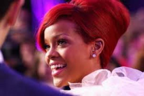 Rihanna prépare déjà la sortie d'un sixième album. La jeune femme devrait le proposer dès l'automne prochain
