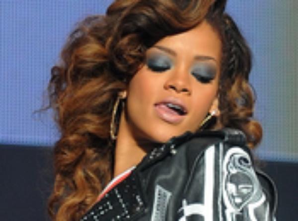 Rihanna déjà un nouvel album pour l'automne[/