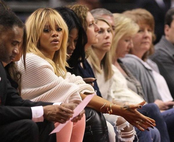 Rihanna : ses proches se font du souci pour elle