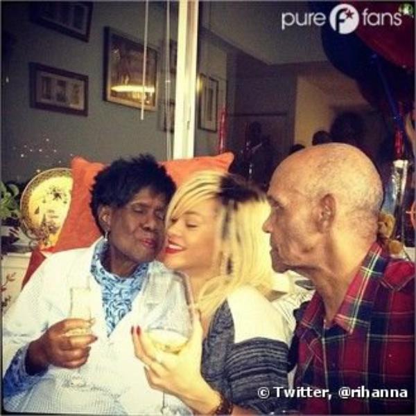 Rihanna est retournée à la Barbade spécialement pour l'anniversaire de sa grand-mère !