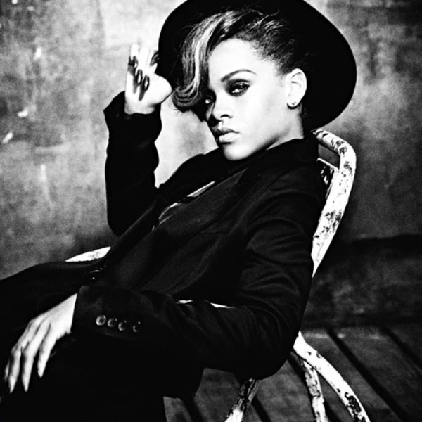 Rihanna annonce son septième album et une tournée en 2013