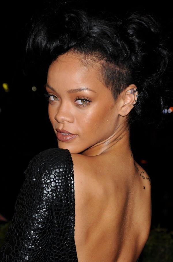 Rihanna : Un malaise, une perfusion et une rehab pour gérer sa vie folle ?