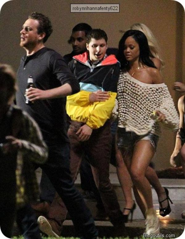 Rihanna joue dans le film The End Of The World (photos)
