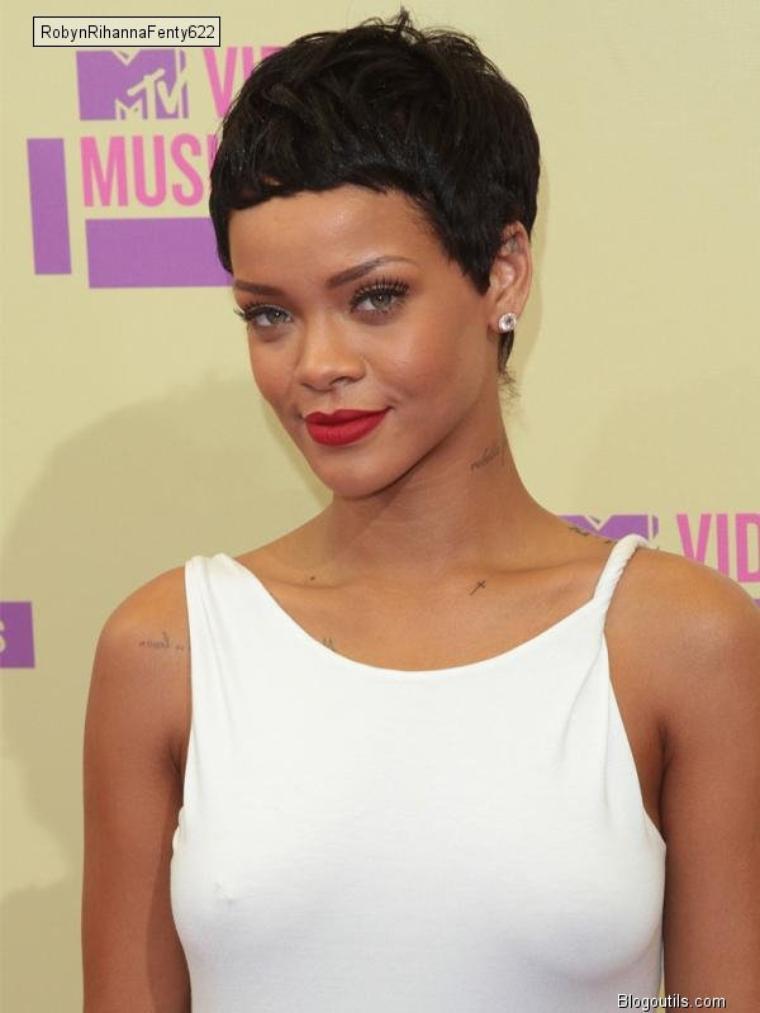 Rihanna  fiere de Chris brown