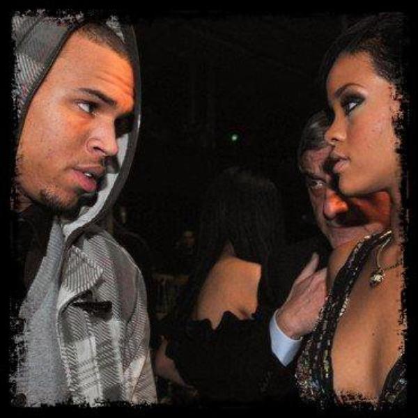 Rihanna lance un ultimatum à Chris Brown