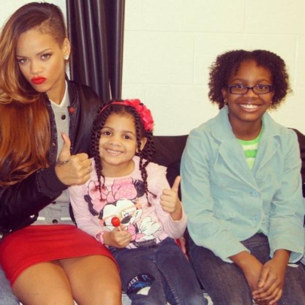 Rihanna  et ses fans  lors du concert diamonds Tour ,Chicago