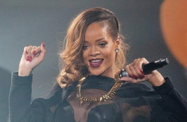 """Rihanna: Sa coupe de cheveux élue la """"plus hideuse du 21ème siècle"""""""