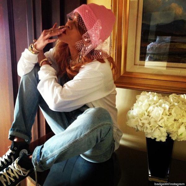Rihanna pose avec des joints lors d'un voyage à Amsterdam