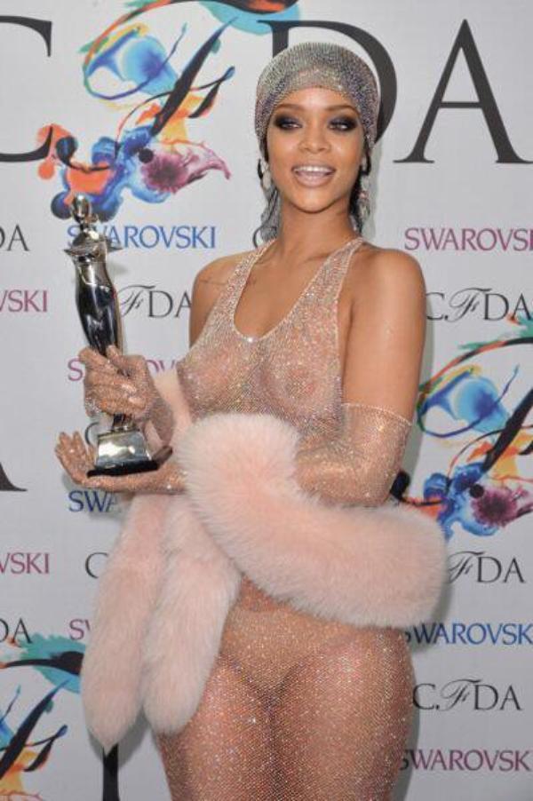 Rihanna répond aux attaques de TLC