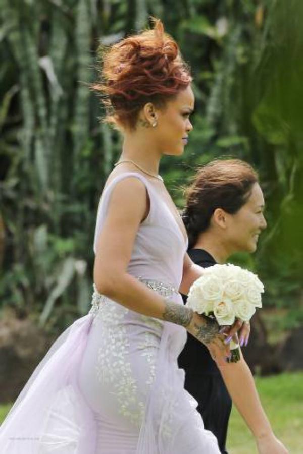 rihanna au Mariage de son assistante (Jennifer MORALES)