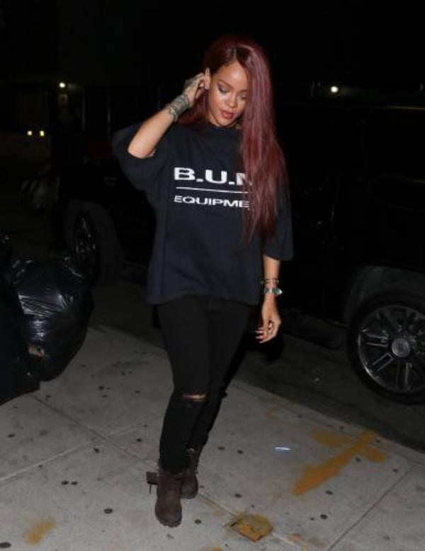Rihanna et sa chevelure rouge  chatoyante , Rihanna and her shimmering red hair