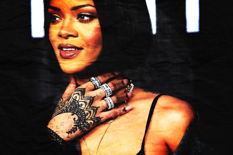 Rihanna s'offre un dab devant la Trump Tower