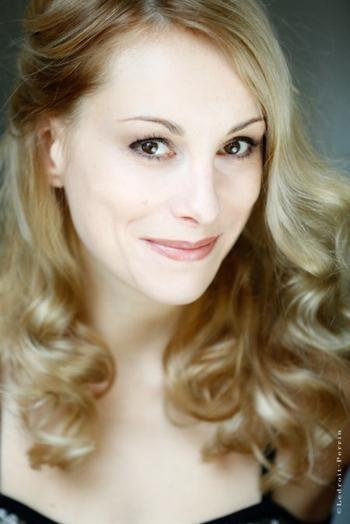 Interview de la comédienne Julia Dorval pour notre blog !