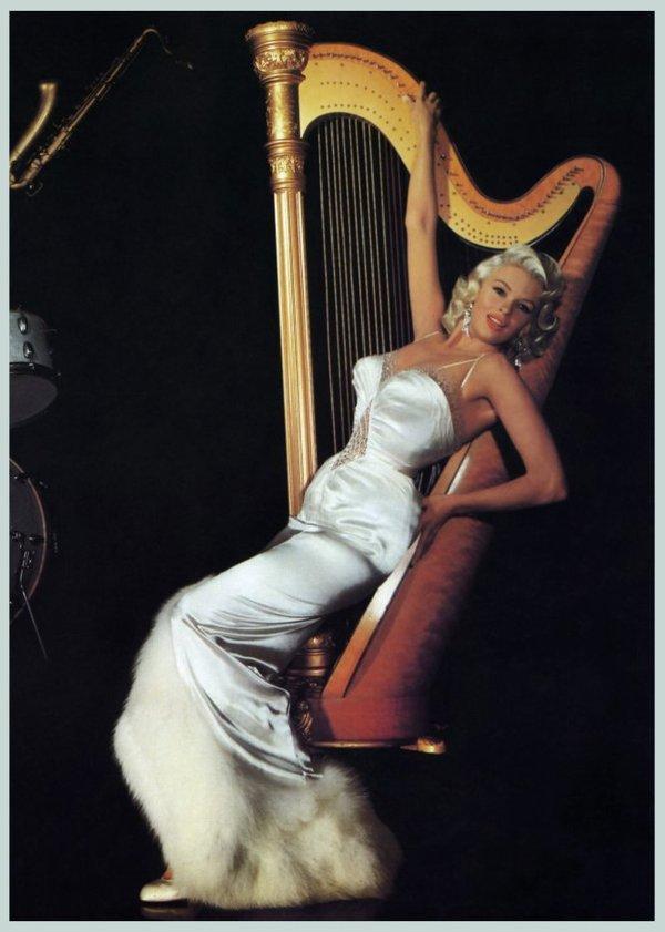 Jayne MANSFIELD dans les années 50