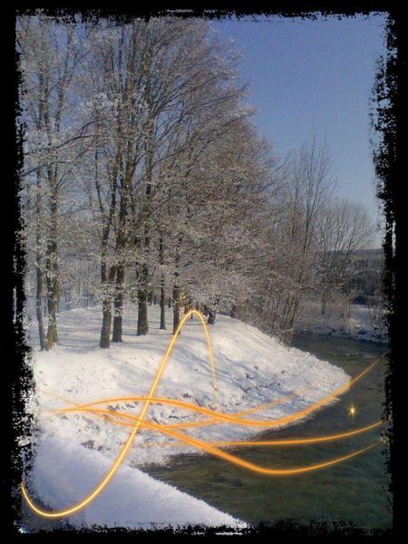 Voilà....moi aussi j'ai de la neige!!! et le froid qui la retient..