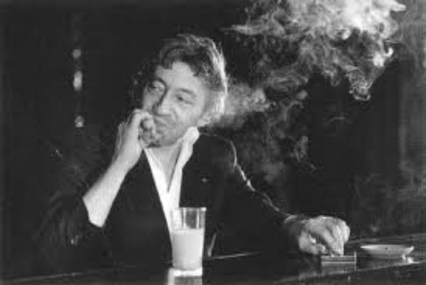 Se cacher derrière la fumée de cigarettes