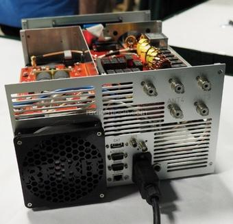 Amplificateur HF à transistors : B26-PA RF2K5 Solid State Amplifier (kit radioamateur)