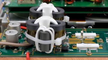 Palstar Amplificateur HF radioamateur à transistors LA-1K