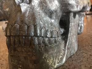 """Dans le Cabinet des Curiosités de Lenore:""""YORICK"""" Sculpture en Météorite"""